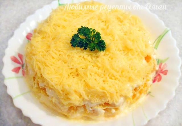 Фото к рецепту: Нежнейший салат из яблок, сыра и апельсинов. такого вы еще не пробовали!
