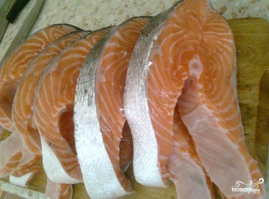 Рыба на решетке на мангале - фото шаг 2