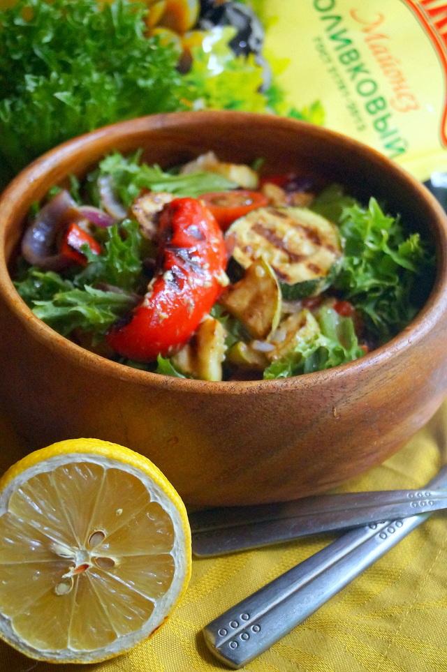 Фото к рецепту: Тёплый салат с печёными овощами #махеевънаприроде