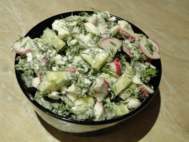 Фото к рецепту: Вариант овощного весеннего салата зимой