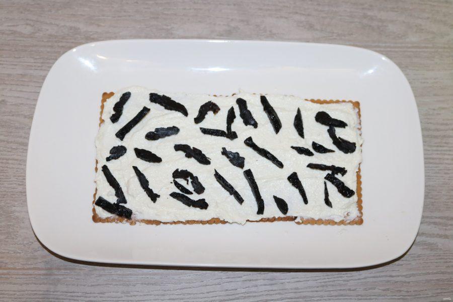 Торт без выпечки с черносливом - фото шаг 6