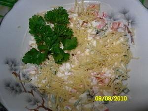Фото к рецепту: Просто-простой салат, но от этого не менее вкусный