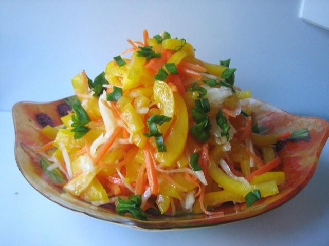 Фото к рецепту: Салат радужный