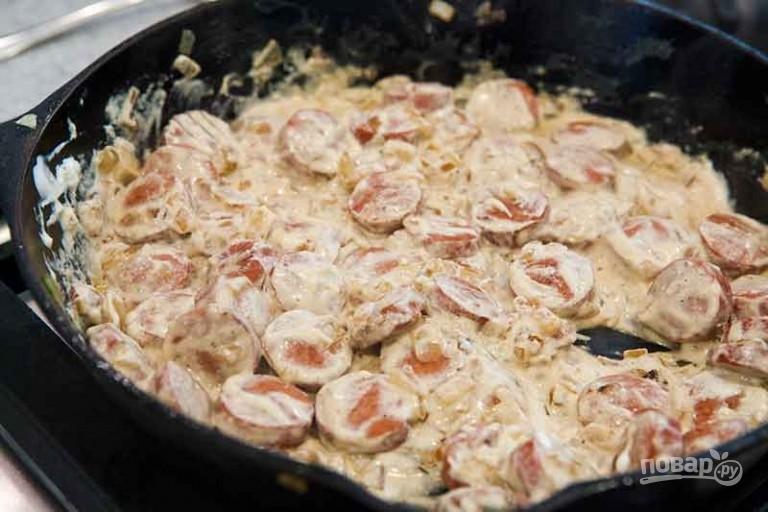 Сосиски в сметанном соусе - фото шаг 4