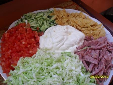 Фото к рецепту: Салат козёл в огороде ещё один вариант