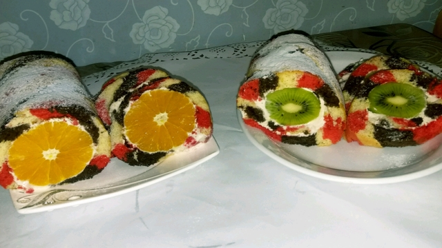 Фото к рецепту: Рулет с фруктами