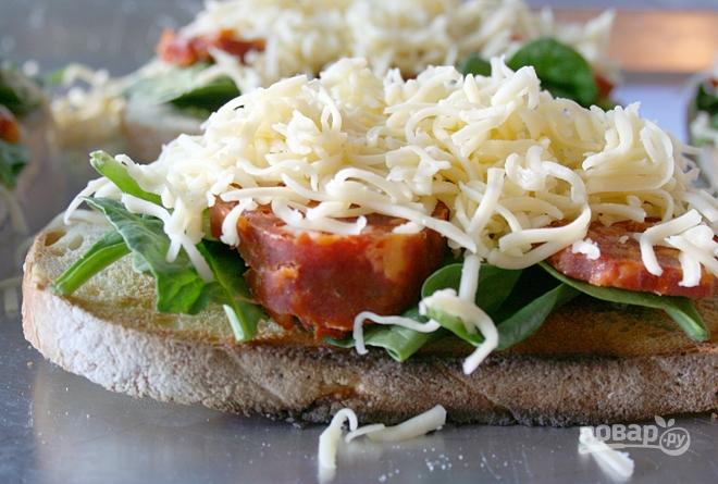 Улетные бутерброды с колбасой и сыром - фото шаг 2