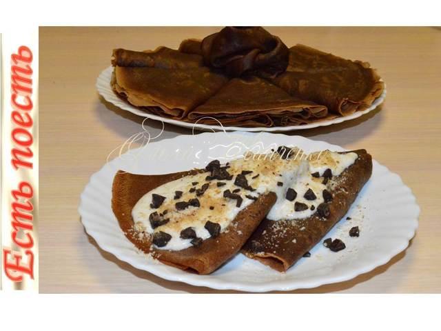 Фото к рецепту: Шоколадно-кофейные блины с ореховым кремом