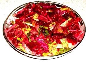 Фото к рецепту: Мясной салат с апельсинами и свеклой