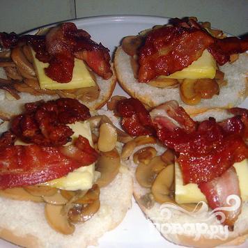 Бургеры с беконом и грибами - фото шаг 3