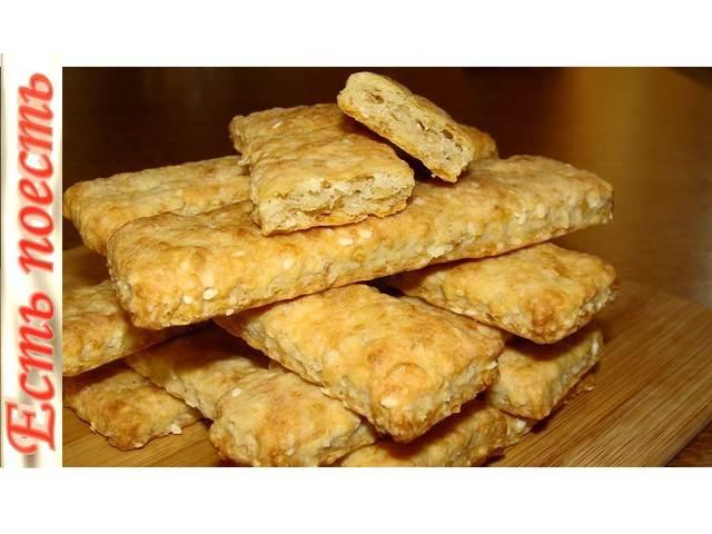 Фото к рецепту: Сырно - овсяные палочки. хрустящая вкуснятина- перекус или закуска.