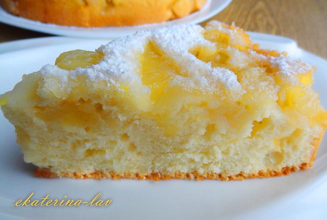 Фото к рецепту: Быстрый и вкусный заливной яблочный пирог