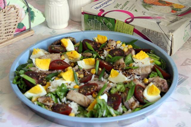 Фото к рецепту: Салат с сардинами и рисом басмати