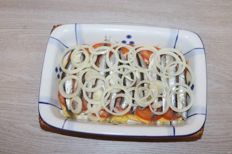 Мойва с картошкой в духовке - фото шаг 9