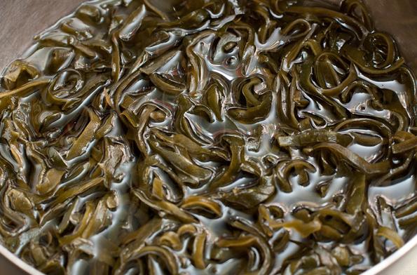 Салат из морской капусты с кальмаром - фото шаг 1