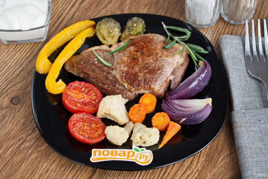 Стейк с овощами - фото шаг 5