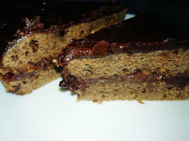 Фото к рецепту: Пирог с какао без яиц