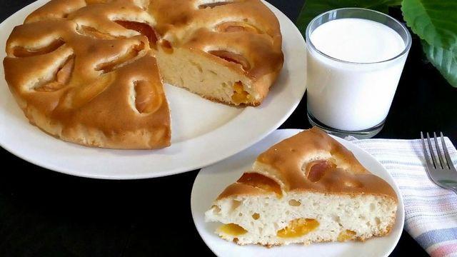 Фото к рецепту: Абрикосовый пирог к чаю