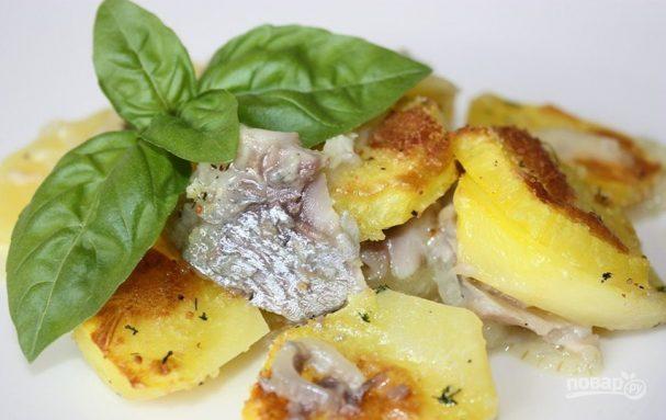 Селедка на картофельной подушке