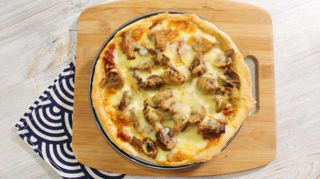 Фото к рецепту: Чикагская глубокая пицца