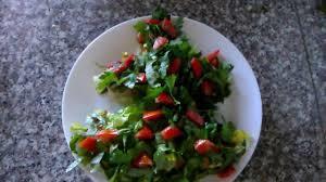Фото к рецепту: Новогодний салат ёлка без майонеза