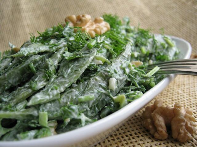 Фото к рецепту: Салат из зелёной стручковой фасоли .