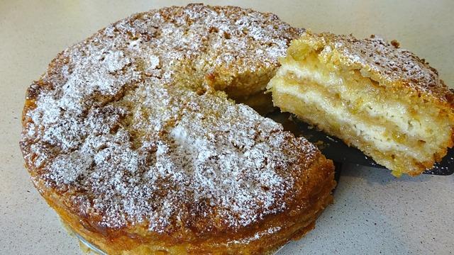 Фото к рецепту: Изумительный насыпной яблочный пирог