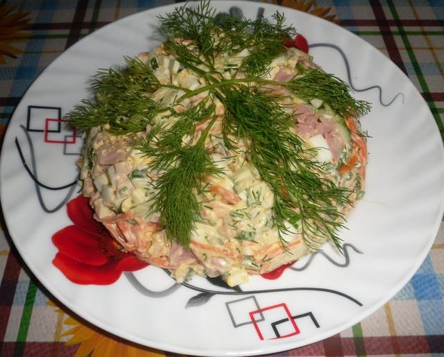 Фото к рецепту: Салат «шедевр»