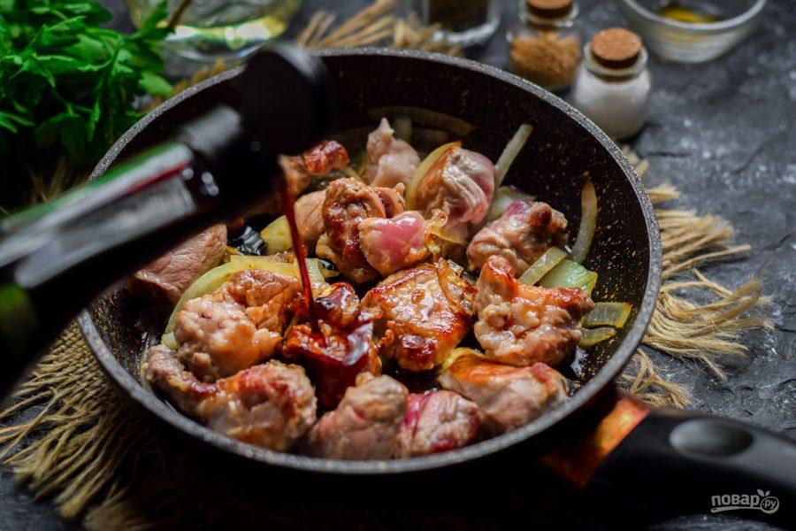 Свинина в соевом соусе с кунжутом - фото шаг 5