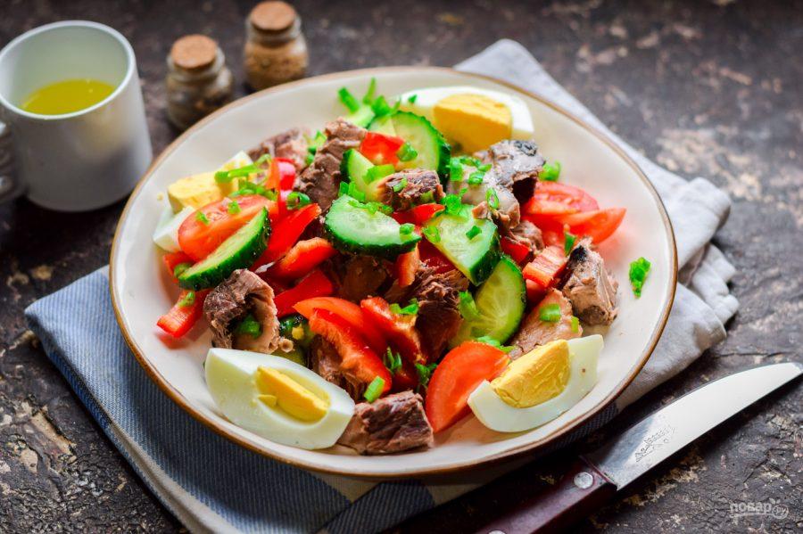 Диетический салат с тунцом - фото шаг 6