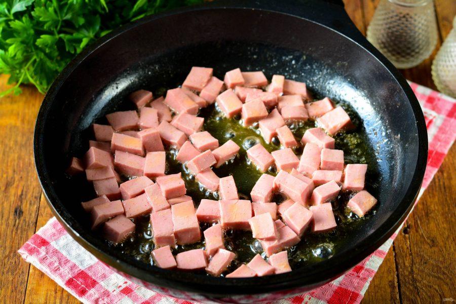 Лапша с помидорами и колбасой - фото шаг 5