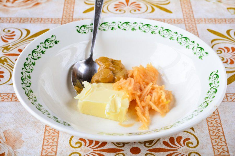 Бутерброды с селедкой и яблоком - фото шаг 2