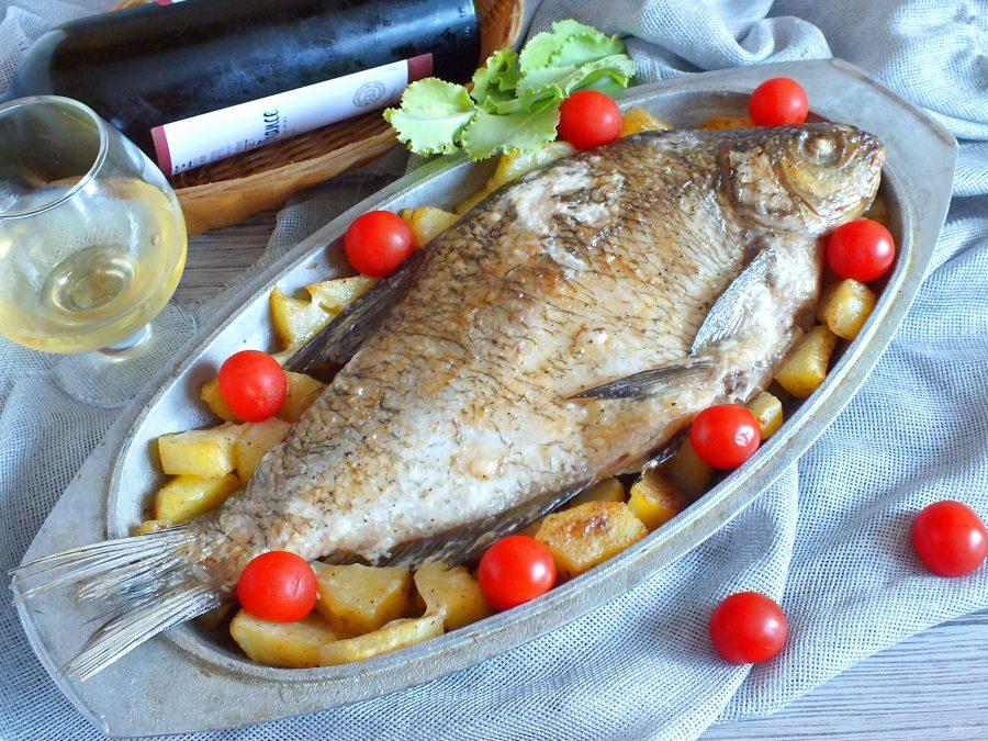 Лещ с картошкой в духовке - фото шаг 10
