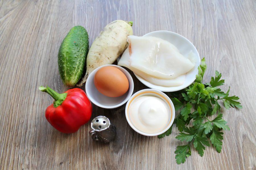 Салат из дайкона с кальмарами - фото шаг 1