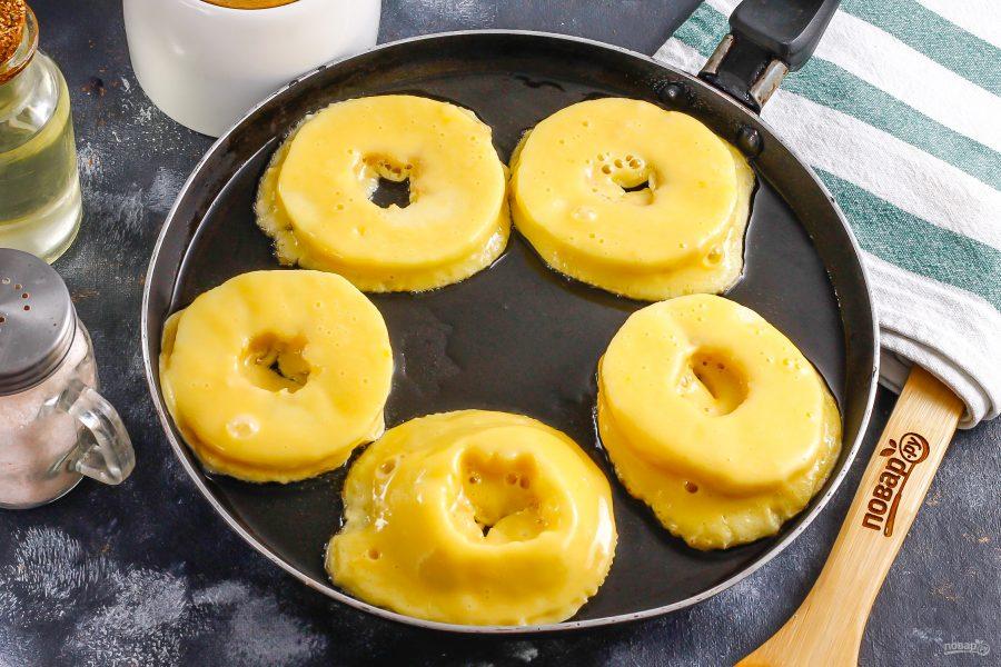 Жареные яблочные кольца - фото шаг 7