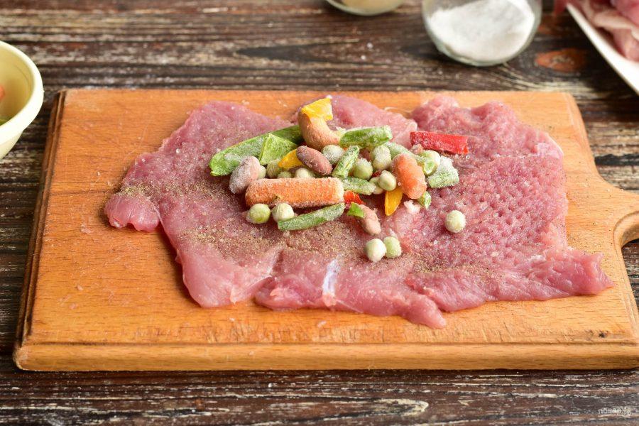 Рулет из свинины с овощами - фото шаг 4