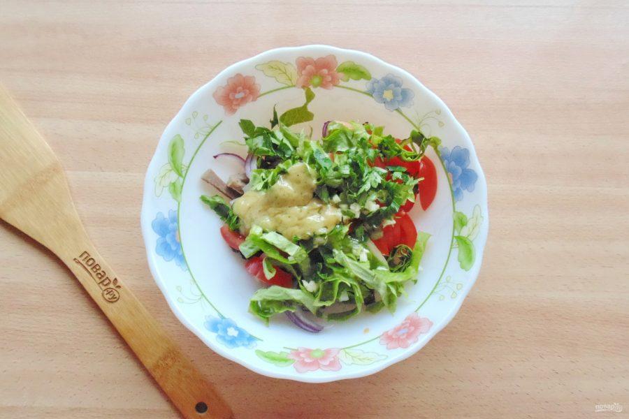 Салат с языком и черносливом - фото шаг 9