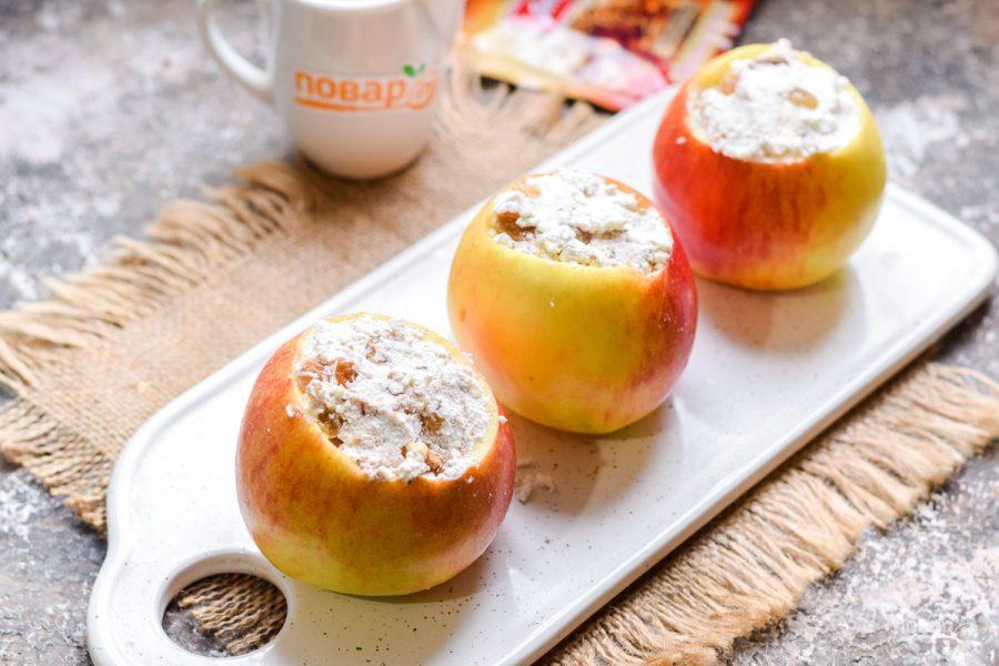 Запеченные яблоки с творогом и корицей - фото шаг 7