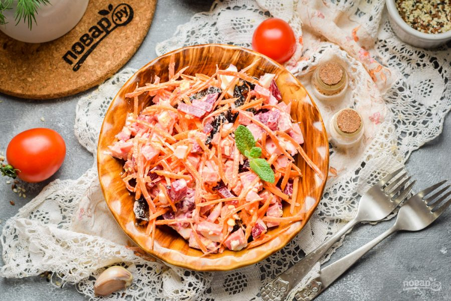 Салат со свеклой и колбасой - фото шаг 7