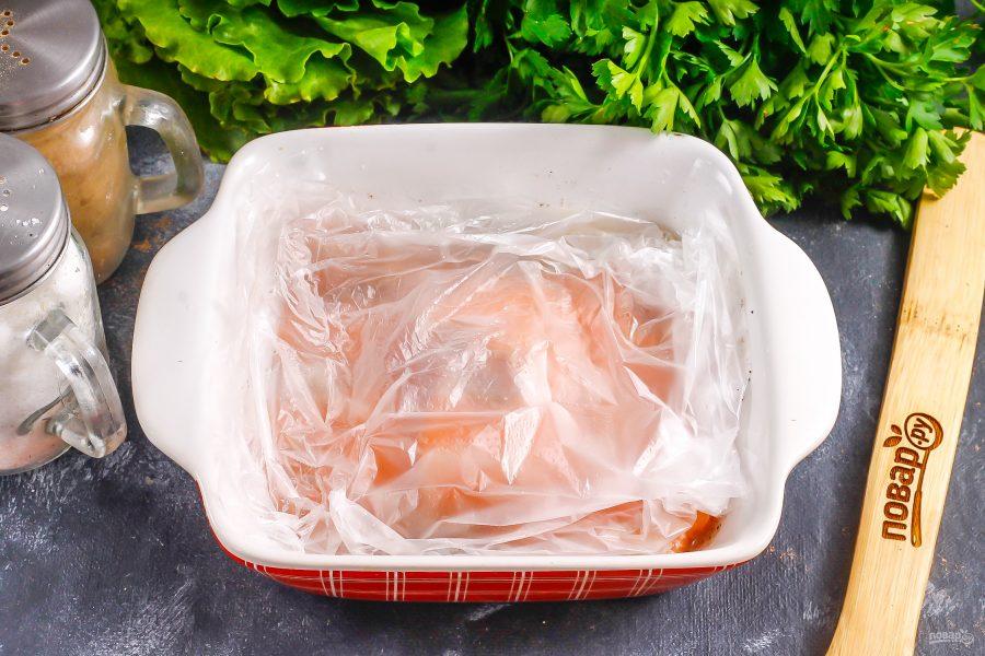 Засол красной рыбы с водкой - фото шаг 5